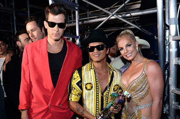 mark-ronson-bruno-mars-britney-spears-mtv-vma-2015-show-billboard-650